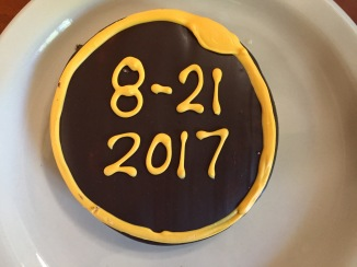 """Cookies in the Willamette U dining hall, depicting totality, with the """"diamond ring"""" in the technically correct position for the end of totality."""